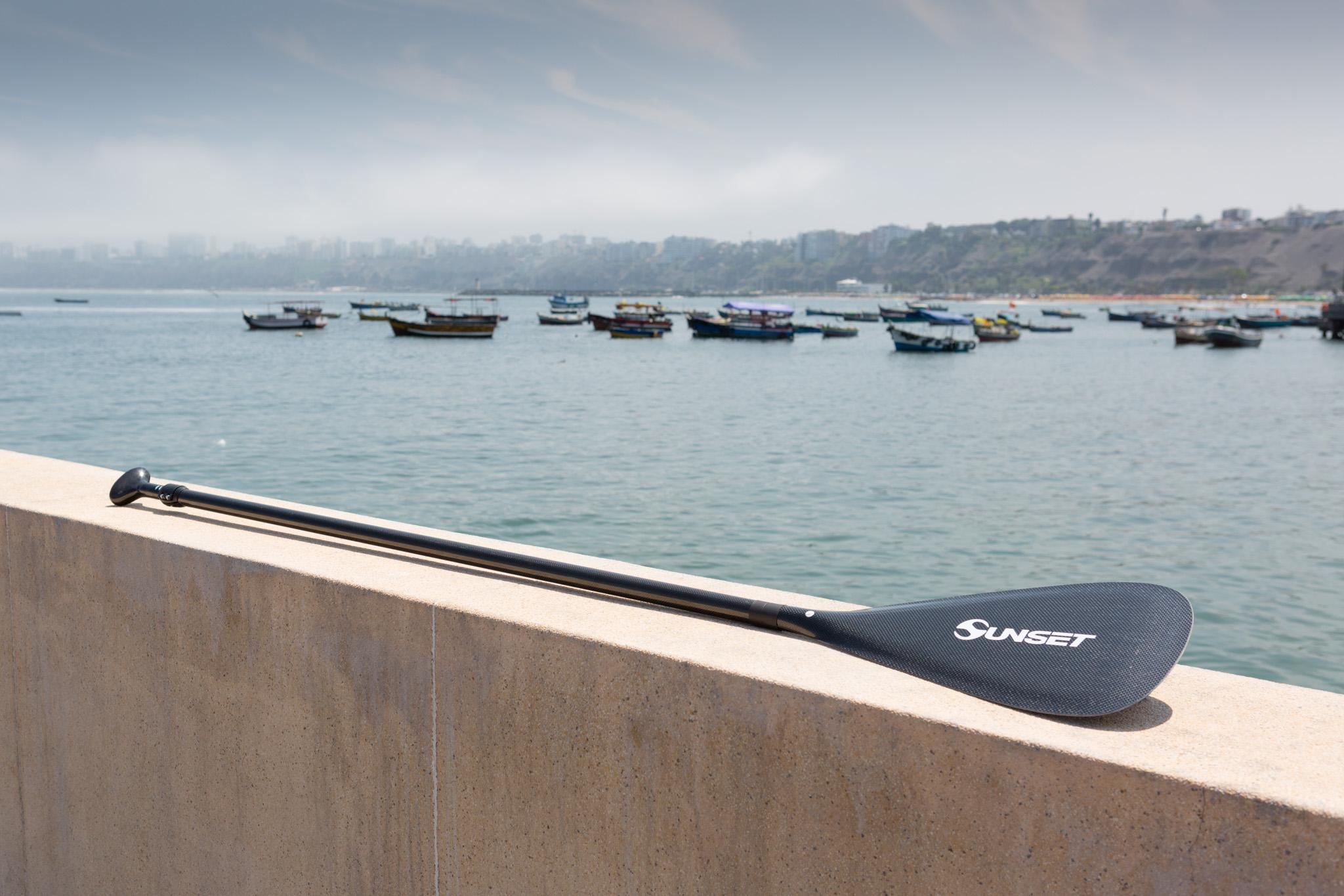 Un remo de standup paddle liviano y super resistente, flota y diseño de performance.
